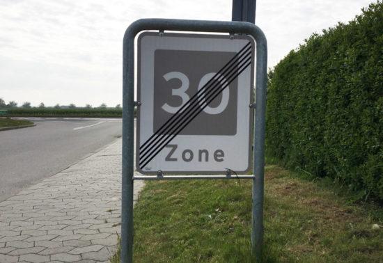 Skilt med lav hastighed